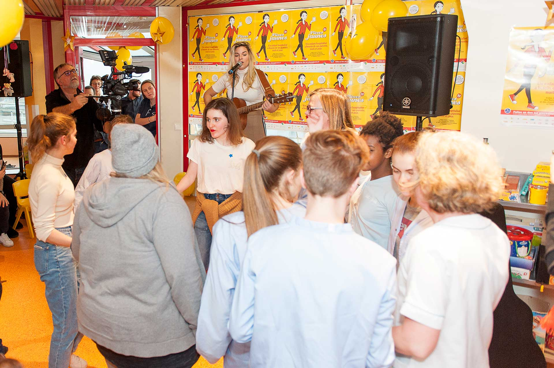 Concert de Sophie tapie à l'occasion de l'inauguration de l'hôpital de jour de médecine de l'adolescent