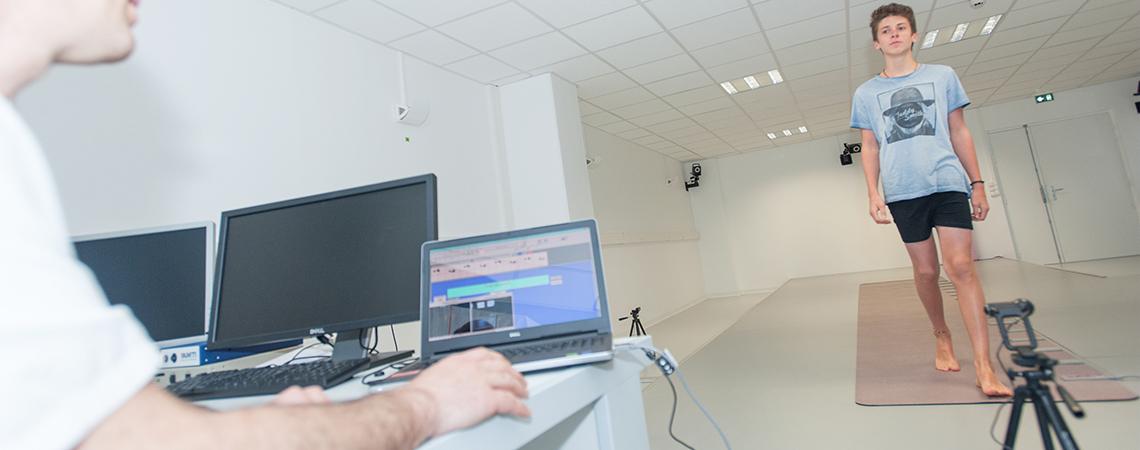 Gait-Rite est une plateforme de marche utilisée en neurophysiologie
