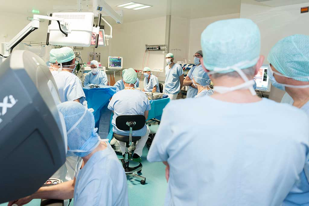 Inauguration du nouveau robot chirurgical téléopératoire Da Vinci X le jeudi 9 mai 2019